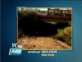 VC no MG: Telespectador de Mata Verde reclama de rio quase seco que abastece a cidade - Segundo ele, cidade náo tem outro reservatório.
