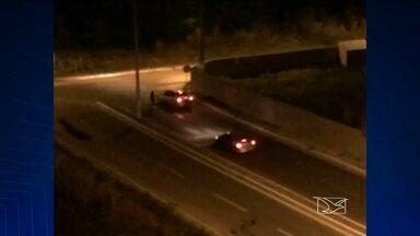 Em São Luís, assaltantes abordam motoristas no bairro do Renascença - Nos fins de semana esse trecho fica praticamente deserto e os bandidos aproveitam para abordar quem passa.