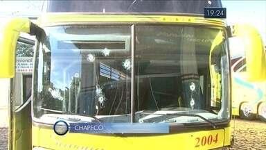 Giro de notícias: ônibus que levava comerciantes catarinenses é alvejado a tiros - Giro de notícias: ônibus que levava comerciantes catarinenses é alvejado a tiros