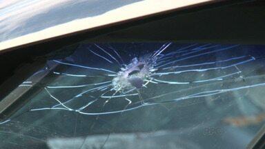 Homem é encontro morto dentro do carro na PR-466, em Guarapuava - Ele foi morto a tiros e encontrado morto dentro do próprio carro.