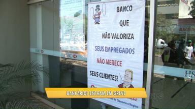Bancários do Noroeste aderem a greve nacional - Agências estão mantendo caixas eletrônicos e atendimento mínimo exigido por lei.