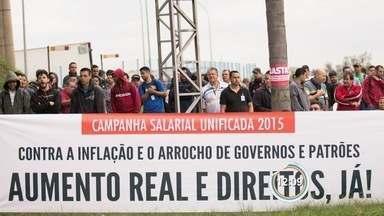 Trabalhadores da Hitachi entram em greve em São José - Eles reivindicam aumento salarial.