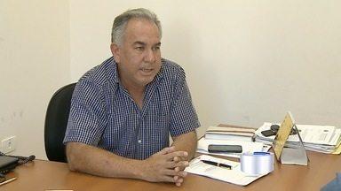 Prefeitura de São Luiz do Paraitinga pode ter que demitir para reduzir gastos - A informação é do vice-prefeito Luiz Carlos Pião, que assumiu o cargo nesta segunda-feira.