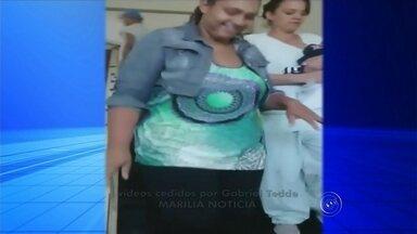 Elevador que leva pacientes a UTI neonatal em hospital de Marília está quebrado há 10 dias - Mulheres em trabalho de parto e recém-operadas estão tendo que fazer um esforço a mais no Hospital Materno Infantil em Marília. Isso porque um dos elevadores, que leva as pacientes para a UTI neonatal está quebrado há 10 dias.