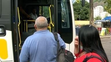 Passageiros continuam com dúvidas em relação às mudanças nas linhas de ônibus - Nem motoristas sabem dar informações. Em alguns casos, tempo de viagem aumentou e não dá tempo de fazer baldeação.
