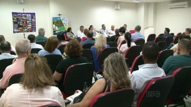 """Fórum discute desenvolvimento do turismo em Paranavaí - O primeiro Fórum de Turismo do Noroeste Paranaense foi realizado no centro de eventos de Paranavaí e teve como tema: """" Turismo e Economia Criativa nos Negócios""""."""