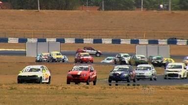 Duas competições agitam o autódromo de Goiânia no fim de semana - Cidade recebe etapa decisiva do Centro-Oeste de Marcas e Pilotos e também prova da Lancer Cup.