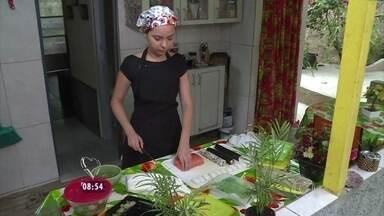 Mais Você fala de pessoas que abriram negócios com familiares para sair da crise - Ana Maria mostra a história de Bárbara Mendes, que passou a vender comida japonesa com a família