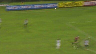 ASA matém ritmo forte nos treinamentos e tenta esquecer assuntos ligados à arbitragem - Polêmica em gol anulado do Alvinegro na primeira partida contra o Tupi continua sendo assuntos nos bastidores.