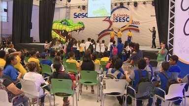 30ª Feira do Livro do Sesc espera reunir 60 mil pessoas em Manaus - Visitantes de 15 comunidades da capital e do interior estarão na feira.Além de stands, lançamentos de obras, feira tem espaços para crianças.