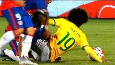 Caindo para o Chile, Brasil estreia com derrota pela primeira em eliminatórias - Atuais campeões da América vencem seleção por 2 x 0