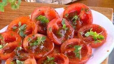 'Prato Feito' ensina mais uma receita com tomate como ingrediente principal - Fernando Kassab mostra dica para o almoço ou jantar.