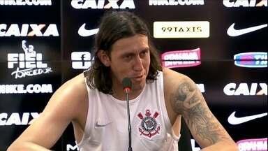 Com a defesa menos vazada, Cássio se coloca como melhor goleiro do Brasil - Com a defesa menos vazada, Cássio se coloca como melhor goleiro do Brasil
