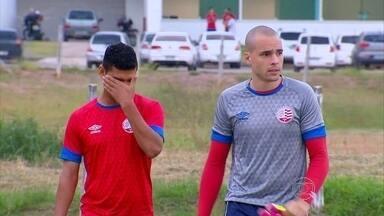 Jogadores do Náutico cobram explicações após saída de Carmona - Jogadores do Náutico cobram explicações após saída de Carmona