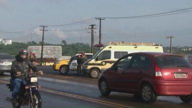 Polícia Rodoviária inicia a Operação Padroeira - A operação nas estradas estaduais vai até meia-noite de segunda-feira.
