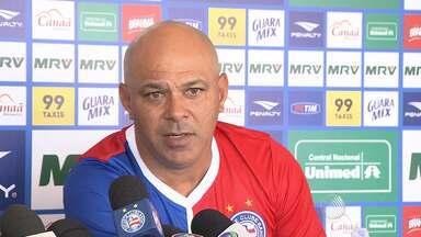 Técnico Charles fala sobre possíveis mudanças no Bahia - A oito dias da próxima partida do Tricolor, o treinador tenta fazer ajustes na equipe para conseguir voltar à elite do futebol nacional.
