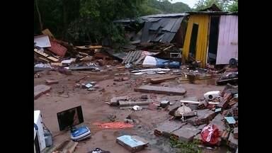 Cerca de 350 casas foram atingidas pela chuvarada em Santa Maria - 37 famílias estão fora de casa.