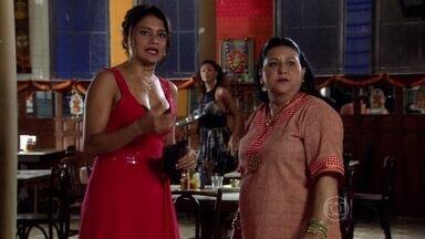 Norminha sente ciúmes de Abel com Dayse - Suellen joga indiretas para Norminha e as duas brigam em frente ao bar