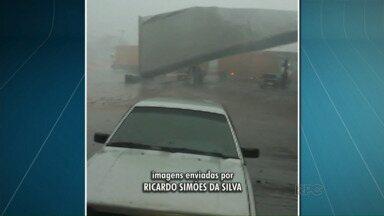 Um telespectador fez imagens do momento em que a cobertura de um posto caiu - Foi em São Carlos do Ivai os estragos foram causados pela chuvarada