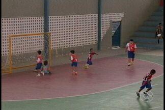 """Torneio de Futsal movimenta Salgueiro - O evento faz parte da programação especial do """"Dia das crianças"""""""