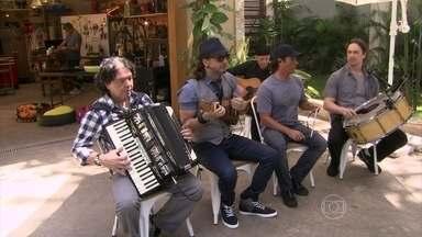Falamansa canta a música 'Amigo Velho' - Forró anima o 'É de casa' deste sábado