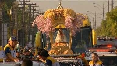 Círio de Nazaré reúne milhares de fiéis em Belém (PA) - A maior manifestação religiosa do país começa no domingo (11). Nesse sábado (10), milhares de pessoas acompanham as procissões - rodoviária e fluvial - que antecedem o evento principal.