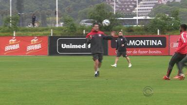 D'Alessandro está de volta e treina no Inter - Argel ainda não sabe se o capitão terá condições de jogar desde o início da partida contra o Atlético-MG.