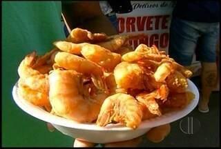 Festival de petiscos leva shows e gastronomia ao Farol de São Tomé, em Campos, RJ - Evento acontece até segunda-feira (12).