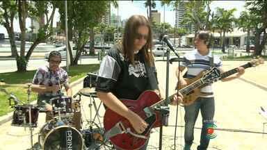 Banda Boa toca sucessos de Campina Grande em estilo diferente - Músicas clássicas sobre a cidade são apresentadas com roupagem atual.
