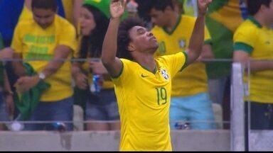 Gol do Brasil! Willian invade a área, chuta cruzado e abre o placar aos 0 do 1º Tempo - Gol do Brasil! Willian invade a área, chuta cruzado e abre o placar aos 0 do 1º Tempo