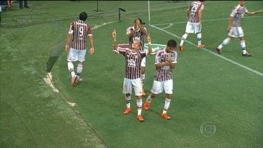 Fluminense vence o São Paulo pelo Campeonato Brasileiro - Na quarta-feira (14), o Tricolor Carioca derrotou o Tricolor Paulista por 2 a 0. Já o Figueirense venceu o Flamengo por 3 a zero. O Vasco segue na luta contra o rebaixamento e enfrenta a Chapecoense nesta quinta (15).