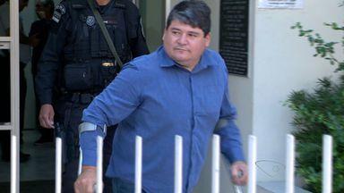 Empresário e quatro funcionários são presos em operação em Domingos Martins, ES - Eles são acusados de fraude na venda de terrenos.