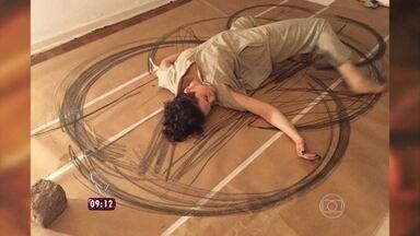Veja os desenhos feitos por Nelita, em 'A Regra do Jogo - Atriz conta que foi ela mesma quem fez a pintura usando o corpo