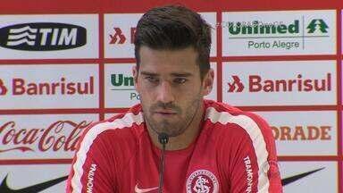 Goleiro Alisson fala sobre diferencial da juventude na Seleção Brasileira - Para ele, é importante começar a carreira cedo.