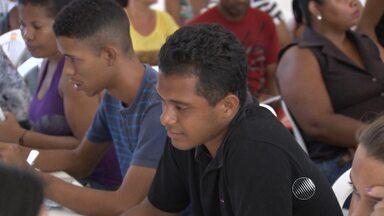 Mais de 300 pessoas participam do quadro de empregos do Bahia Meio Dia - A ação feita em parceria com o SineBahia foi realizada no bairro de Cosme de Farias, em Salvador.