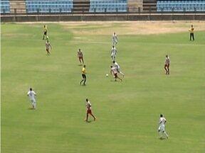 Novo Esporte vence a primeira partida na terceirona do Mineiro - Roberto Junior marcou o segundo gol, garantindo a vitória do Novo Esporte por 2 a 1 sobre o Uberaba.