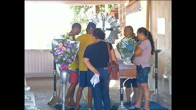 Vítima de acidente perdeu irmão e sobrinha atropelados, diz família - Homem de 57 anos foi atropelado na Borges Leal, no domingo (25).Suspeita é de que dupla fugia de moto após assalto em Santarém.