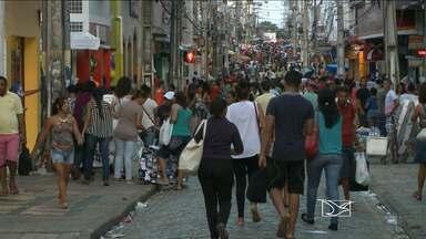 Mais da população de São Luís está com dívidas, diz pesquisa da Fecomércio - Mais da população de São Luís está com dívidas, diz pesquisa da Fecomércio