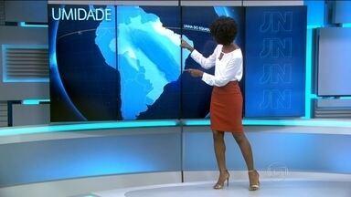 Quinta-feira (29) vai ter chuva forte em grande parte do Sudeste - No Nordeste, a regra vai ser o tempo firme. Exceção é a faixa litorânea entre Pernambuco e Rio Grande do Norte e do sul da Bahia ao extremo sul do Maranhão. Chuva passageira na maior parte do Norte.