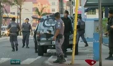 Agência do Banco do Brasil é alvo de explosão em Jacaraípe, na Serra, ES - Avenida Abido Saad foi totalmente interditada pela polícia. Não há informações de presos e feridos.