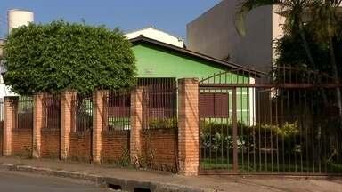 Imóveis na Vila Planalto, no DF, têm nova data para emissão de escrituras - Moradores da Vila Planalto querem as escrituras dos imóveis e esperam há anos por uma solução. Agora, eles têm uma nova esperança: o processo tem nova data para ser resolvido.