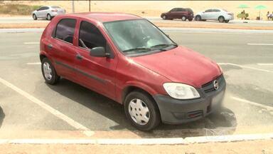 Caso de furto é registrado na avenida Litorânea, em São Luís, MA - O Bom Dia Mirante mostra um caso de furto na avenida Litorânea, em São Luís (MA). O crime foi na manhã desse domingo (8), quando a vítima estacionou o carro no local.