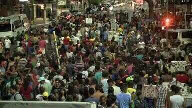 III Marcha LGBT chama atenção para o preconceito - Evento realizado no domingo (8), na Praia da Pajuçara, também alertou para o aumento dos casos de HIV entre homossexuais e a importância da prevenção.