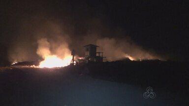 Parintins, no Amazonas, registra incêndio em aterro - Problema ocorreu na noite de domingo (09).