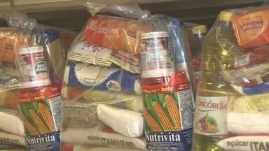 Produtos da cesta básica aumentaram 4% este ano - Algumas pessoas estão mudando os hábitos para reduzir os custos.
