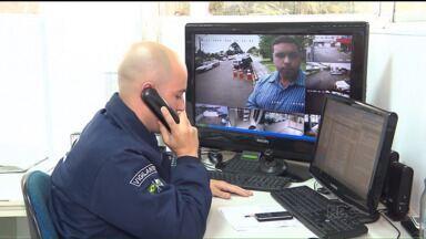 Vigilância remota é alternativa para reforçar a segurança em condomínios - Câmeras são instaladas dentro de apartamentos e ao redor de prédios.