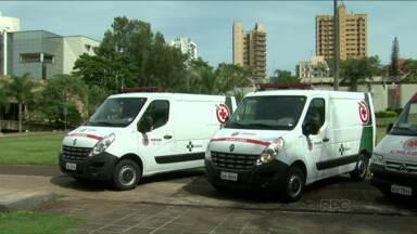 Londrina recebe ambulâncias para melhorar a frota - Quatro ambulâncias vão reforçar os atendimentos de urgência e emergência na cidade. Alguns dos veículos em uso atualmente estão muito velhos e serão substituídos.