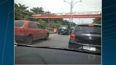 Intenso tiroteio da Linha Vermelha - Motoristas ficaram no meio do fogo cruzado