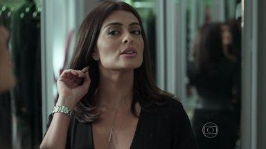 Juliana Paes abre o Vídeo Show em cena de Totalmente Demais - Atriz aparece belíssima ao se arrumar durante a novela