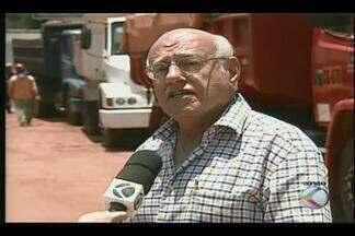Trecho da Avenida Santos Dumont será liberado neste final de semana em Uberaba - Avenida está em obras. Repórter Eduardo Idaló traz os detalhes.
